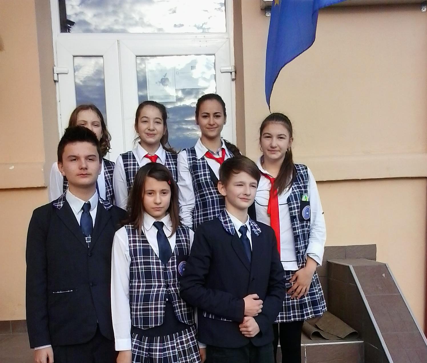 Uniforma scolii