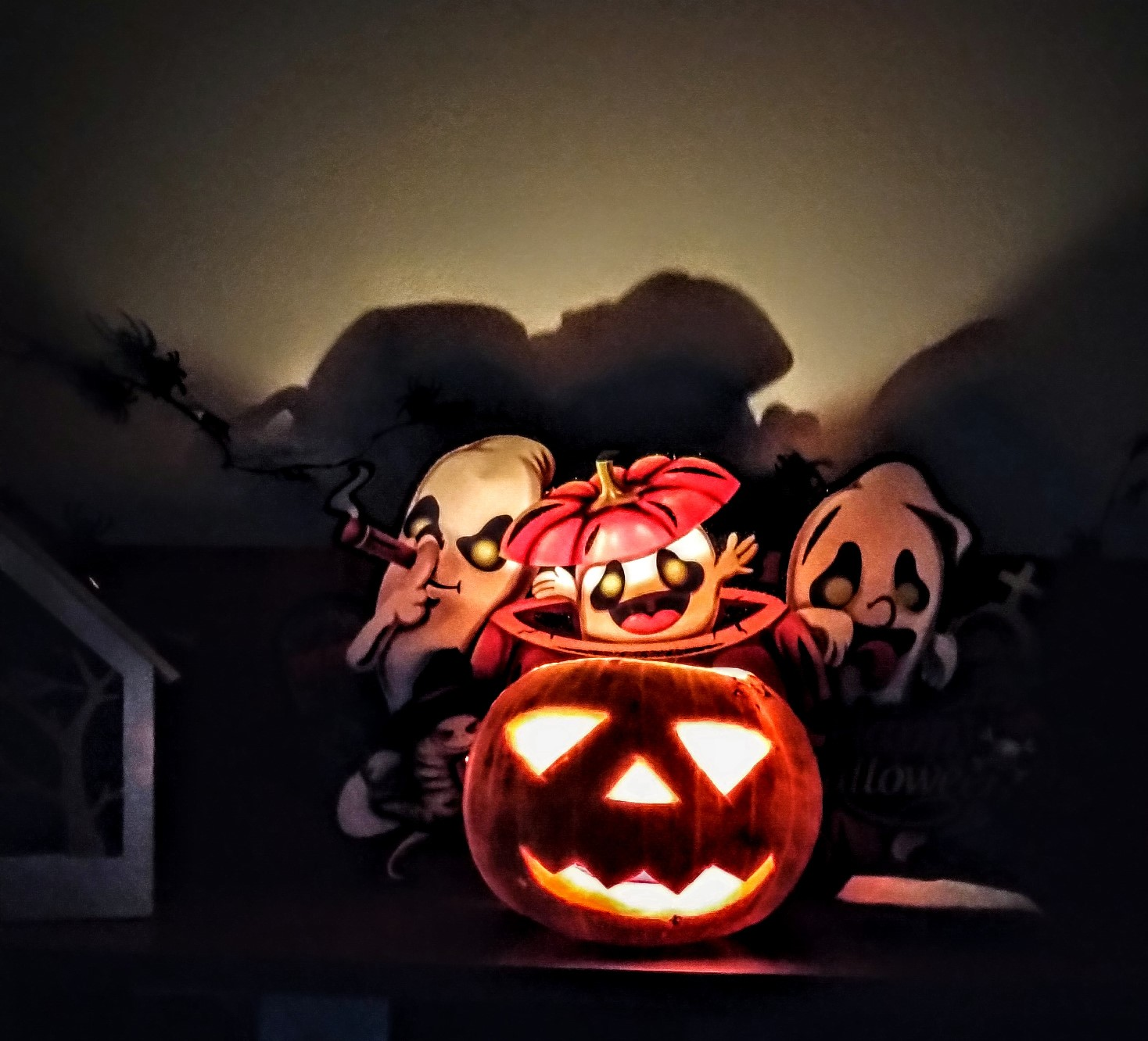 Un Halloween și mai mulți copii fericiți