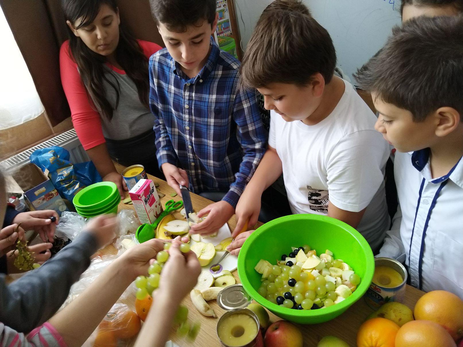 Ce mai pre – gătim prin școală
